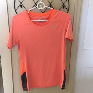 UnderArmour orange fitted athletic shirt size M